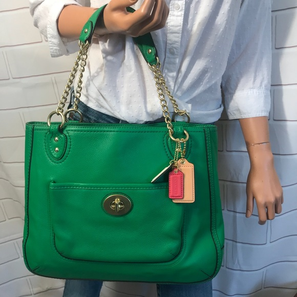 ecebe890106 Coach Handbags - NWOT Coach green chain tote bag $358+ taxes